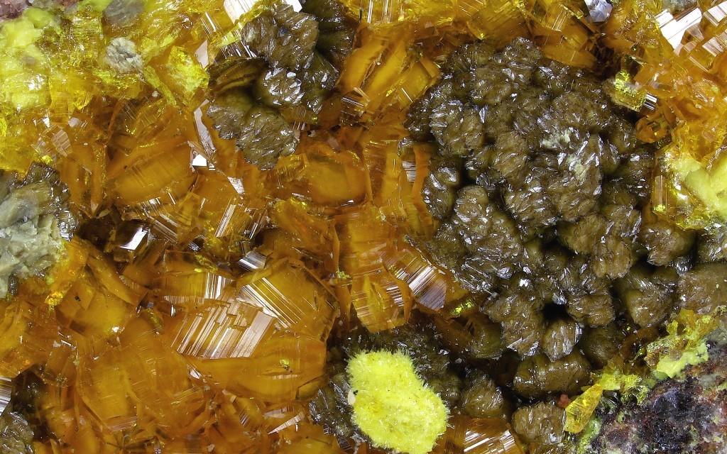 Rutherfordine Psm Soddyite & Soddyite