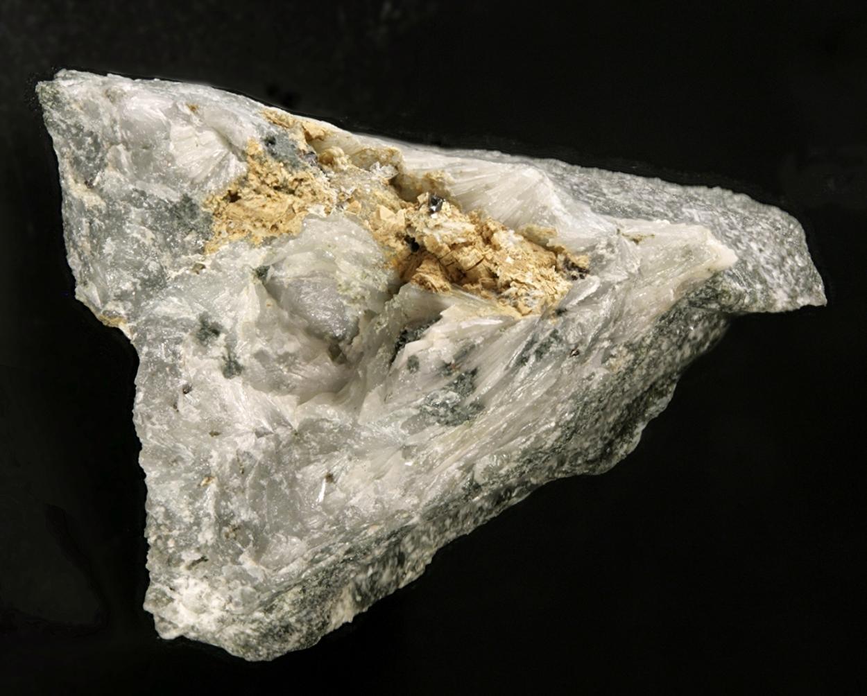 Varennesite & Manganoneptunite