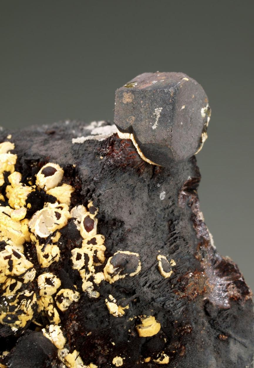 Vanadinite Phosphohedyphane & Goethite