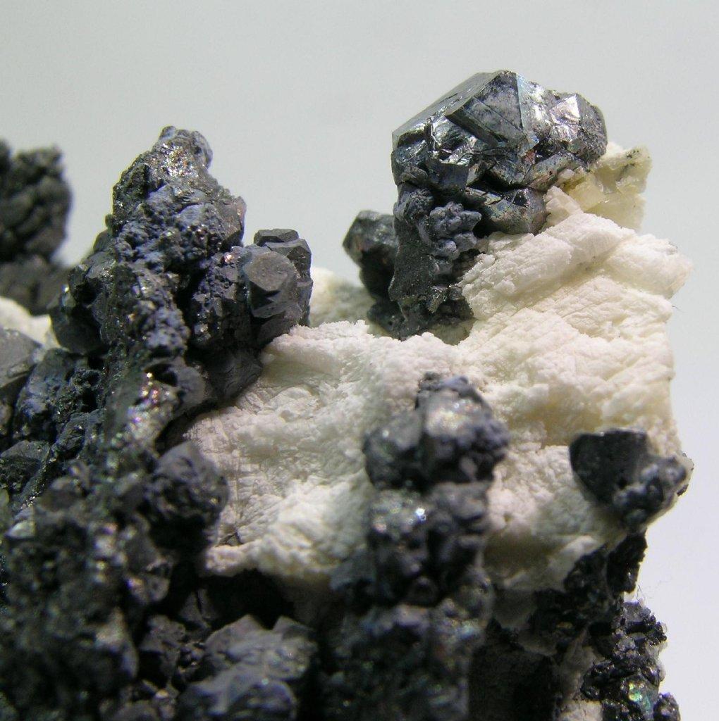 Nickelskutterudite
