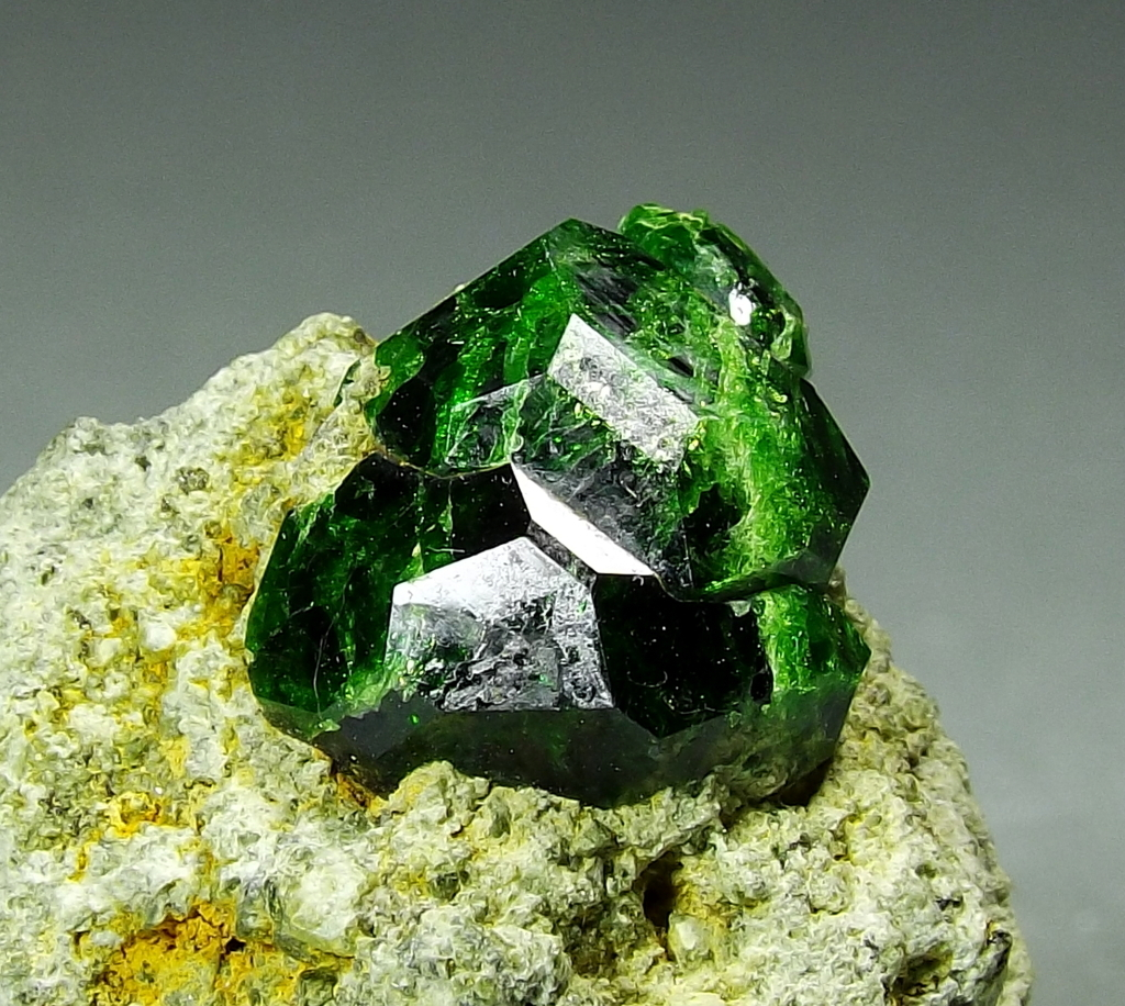 Garnet Var Demantoid