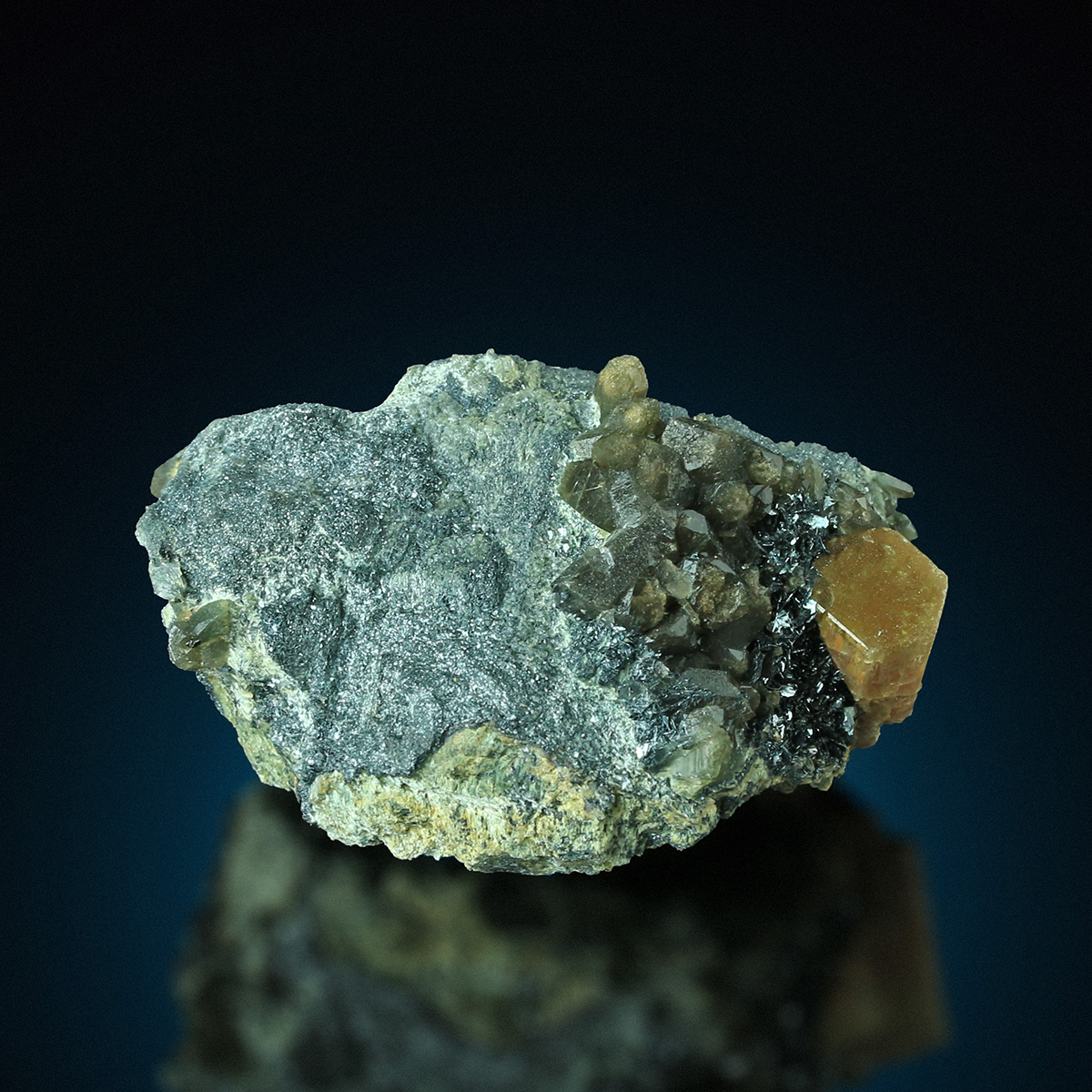 Apatite Hematite Quartz & Actinolite Psm Pyroxene Group