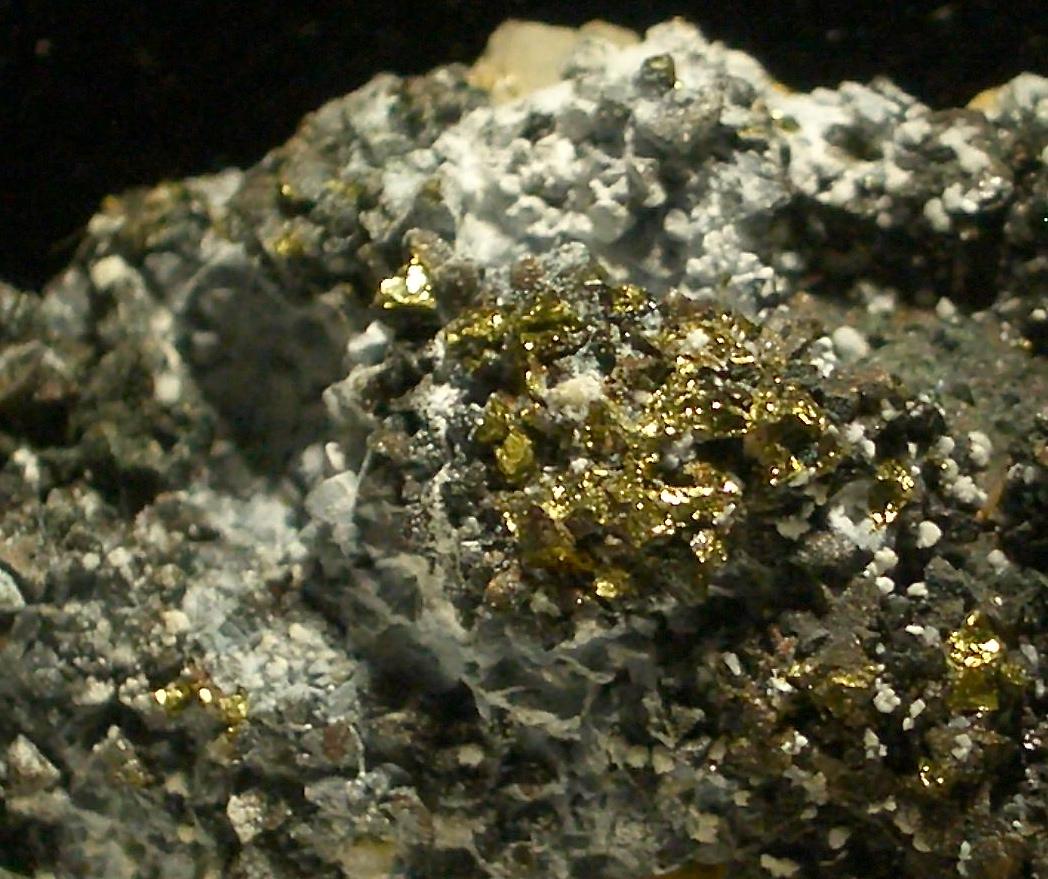 Quartz Calcite Sphalerite Var Cleiophane Galena & Chalcopyrite