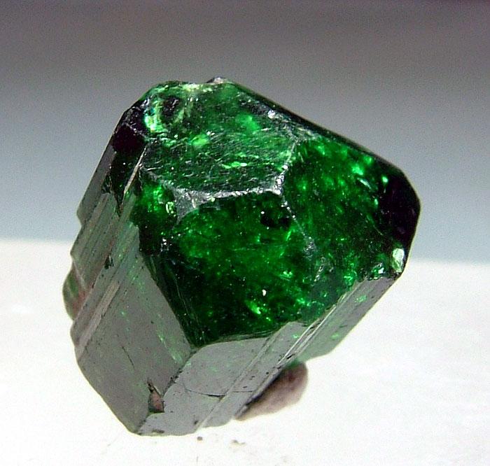 Oxy-vanadium-dravite