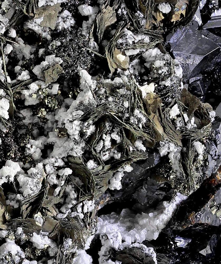 Pyrrhotite Calcite Sphalerite & Pyrite