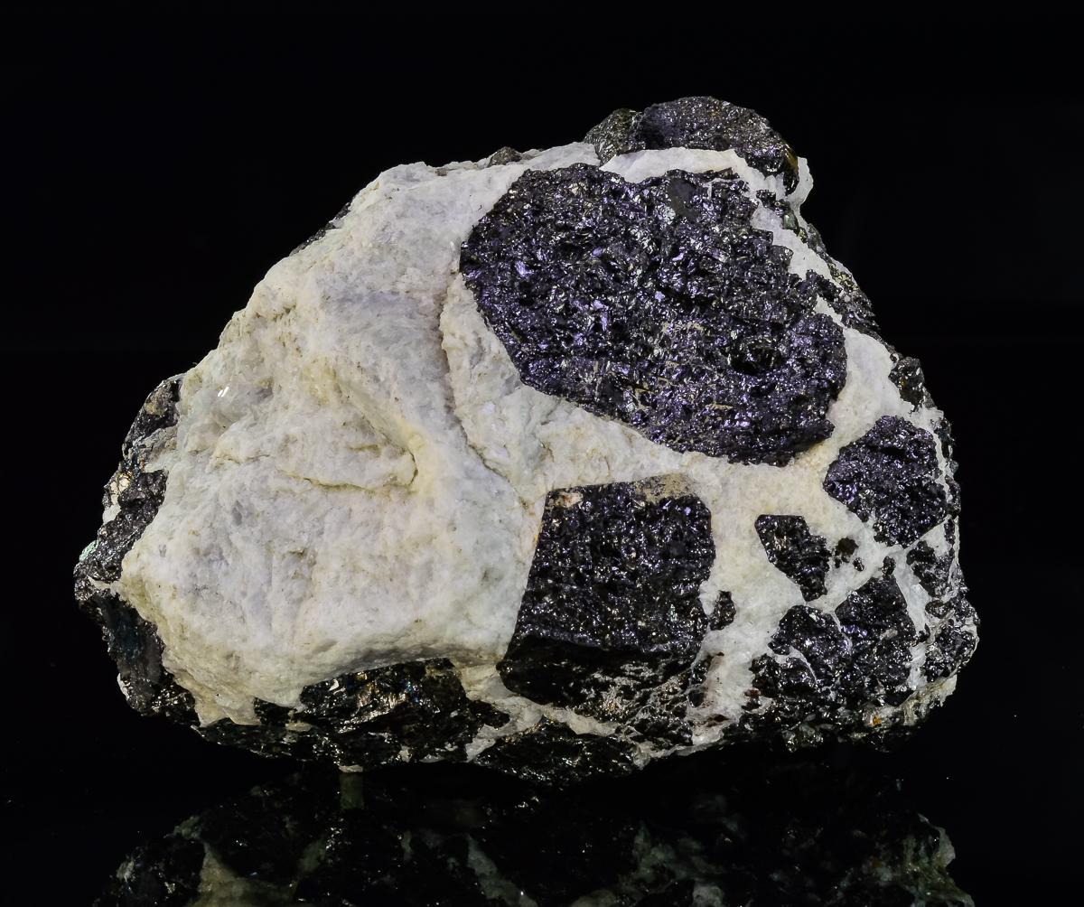 Magnetite In Carbonatite