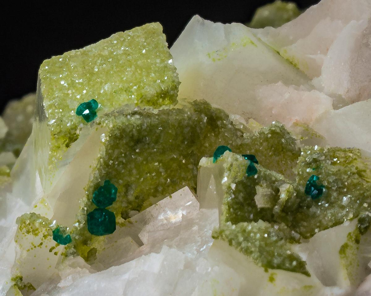 Calcite Dioptase & Smithsonite