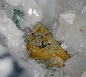 Mixite & Chalcopyrite