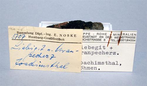 Liebigite & Uraninite