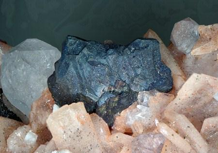 Betekhtinite Chalcocite & Baryte