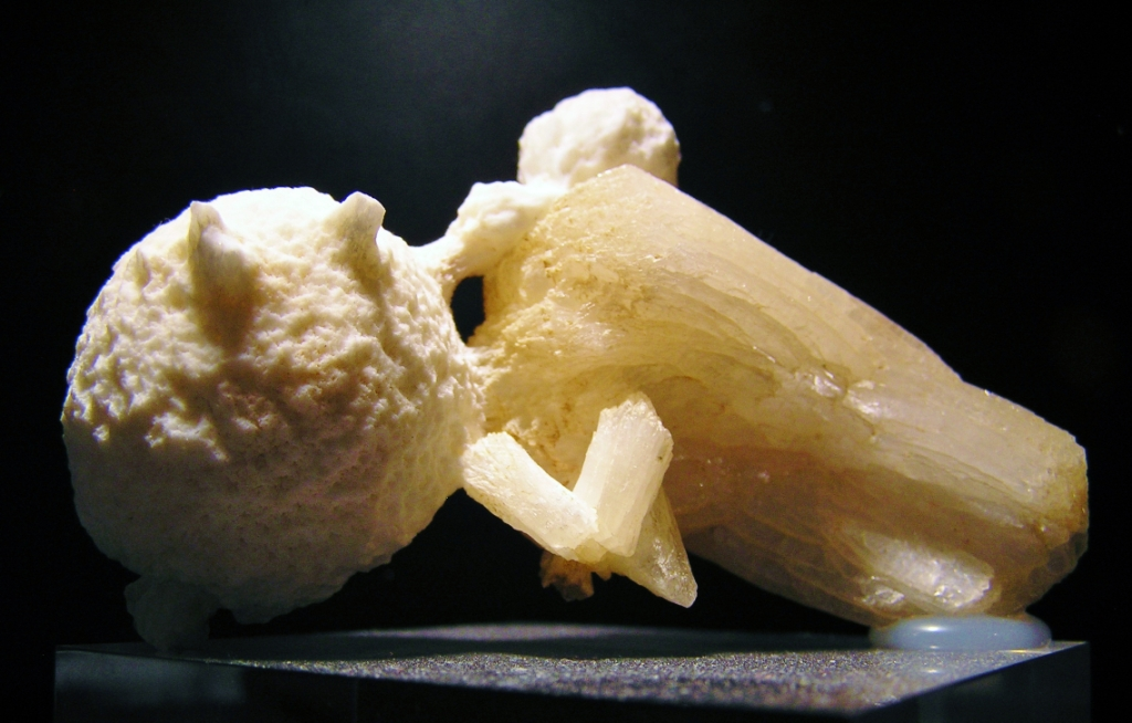Mordenite & Stilbite