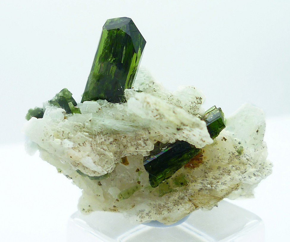 Diopside On Cleavelandite
