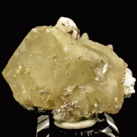 Monteregianite & Calcite