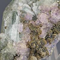 Fluorapatite Fluorite & Siderite