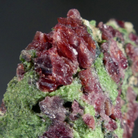 Pyrope & Chromian Diopside With Kelyphite