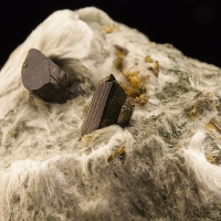 Epidote On Diopside & Byssolite