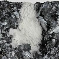 Manganite With Baryte