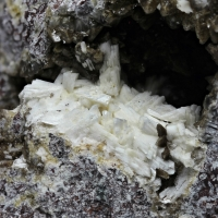 Laumontite With Calcite