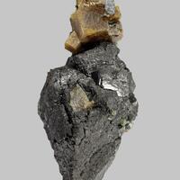 Perovskite On Magnetite