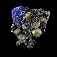 Bromian Chlorargyrite With Azurite