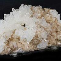 Quartz On Manganoan Calcite
