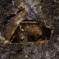 Lomonosovite & Vitusite-(Ce)