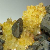Chalcopyrite Limonite & Quartz