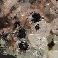 Quartz & Goethite On Hematite
