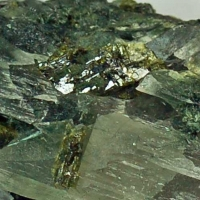 Quartz With Epidote