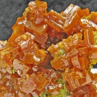 Wulfenite & Descloizite