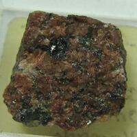 Euxenite-(Y) Var Euxenite-(Y)