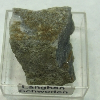 Pyroaurite