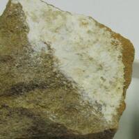 Alumohydrocalcite