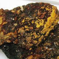 Arsenobismite & Pyromorphite & Limonite