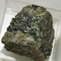 Willemite & Franklinite & Dolomite