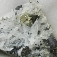 Quartz & Pyrite & Chalcopyrite