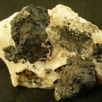 Bromian Chlorargyrite & Coronadite On Cerussite