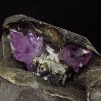 Amethyst On Chalcedony With Chabazite