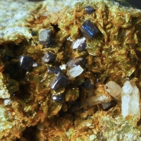 Johannsenite Axinite-(Mn) & Galena