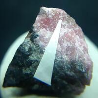 Khristovite-(Ce) & Rhodonite