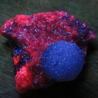 Strontianite On Manganoan Calcite