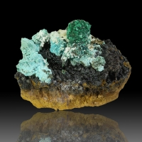 Brochantite Aurichalcite & Cuprite