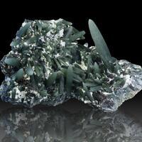 Prase Quartz & Magnetite Psm Hematite