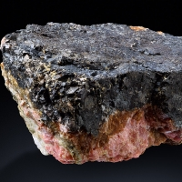 Rhodonite With Braunite