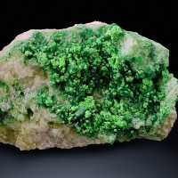Chrome-Vesuvianite & Chromian Grossular