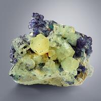 Beryl Var Heliodor With Fluorite