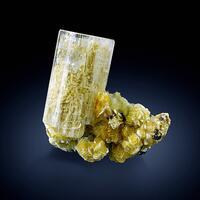 Beryl Var Goshenite On Muscovite With Fluorite