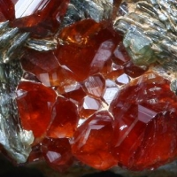 Hessonite & Muscovite
