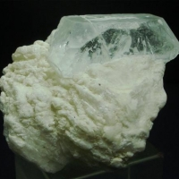 Beryl With Cleavelandite