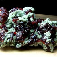 Hydroxylclinohumite With Clinochlore